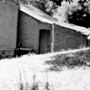 Click this thumbnail for a full view of Adobe house showing use of adobe bricks, circa 1905.